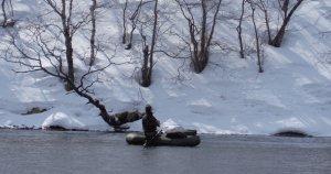 DSC02646.JPG Виталя усиленно хлещет реку