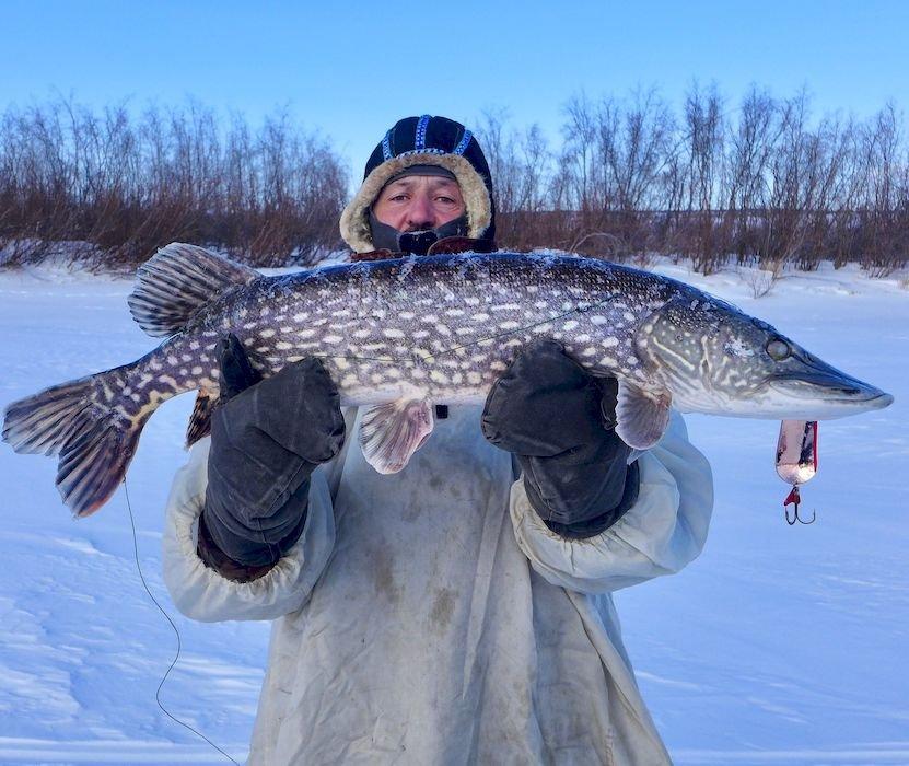 Подлёдная рыбалка на щуку на Камчатке.JPG